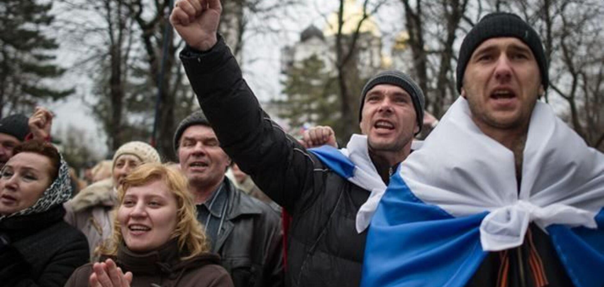 Генконсульство РФ в Симферополе пообещало паспорта не только 'Беркуту'