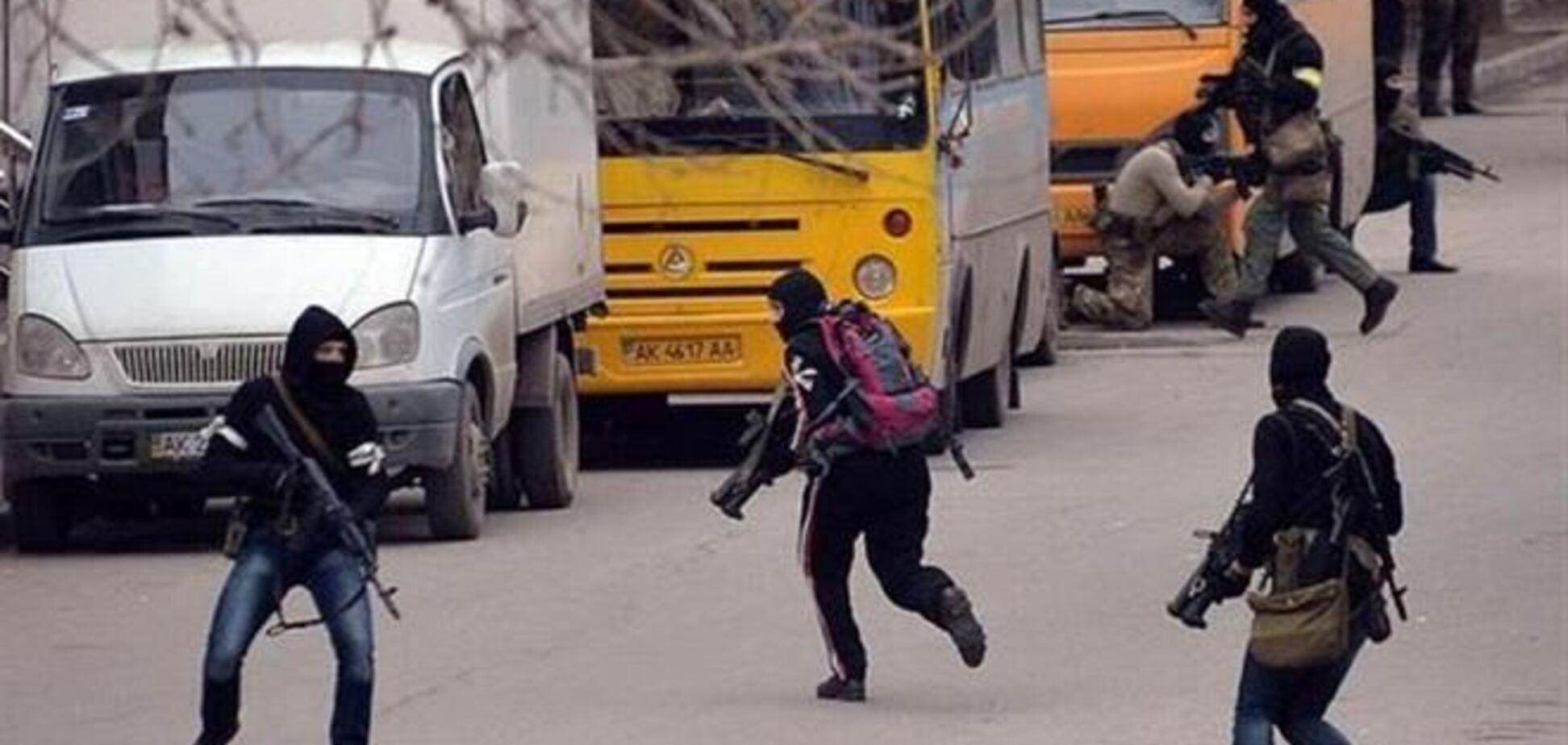 Боевики открыли стрельбу в Симферополе