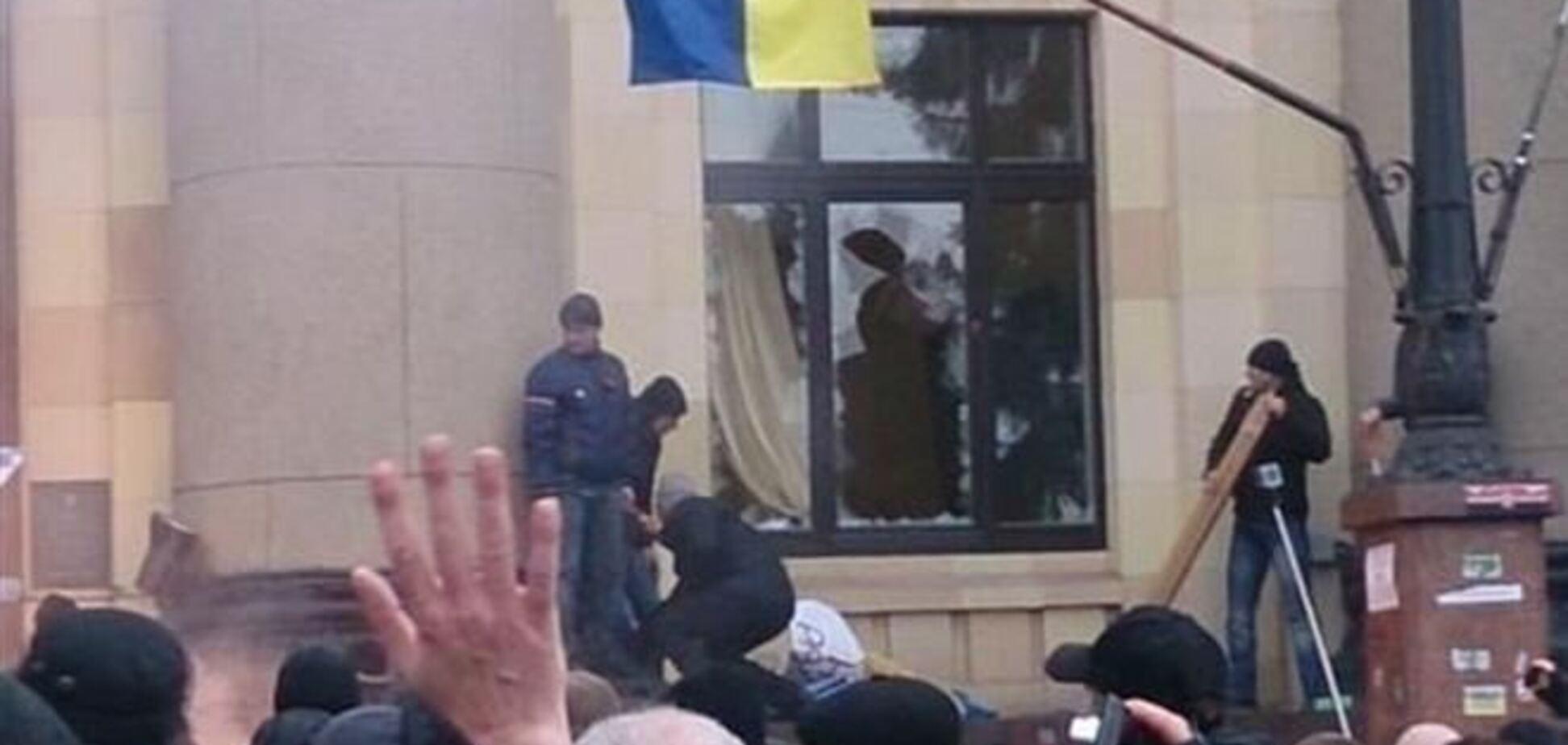 Почти сто человек пострадали в столкновениях в Харькове