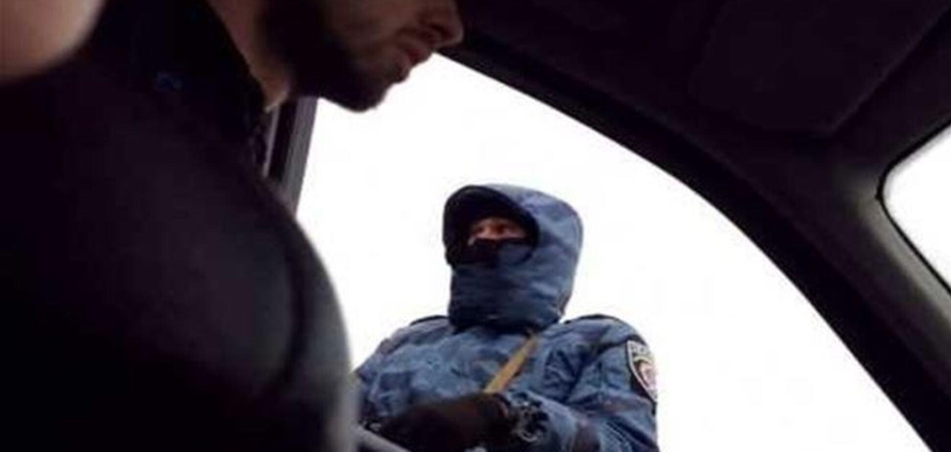Въезд в Крым полностью контролируют военные