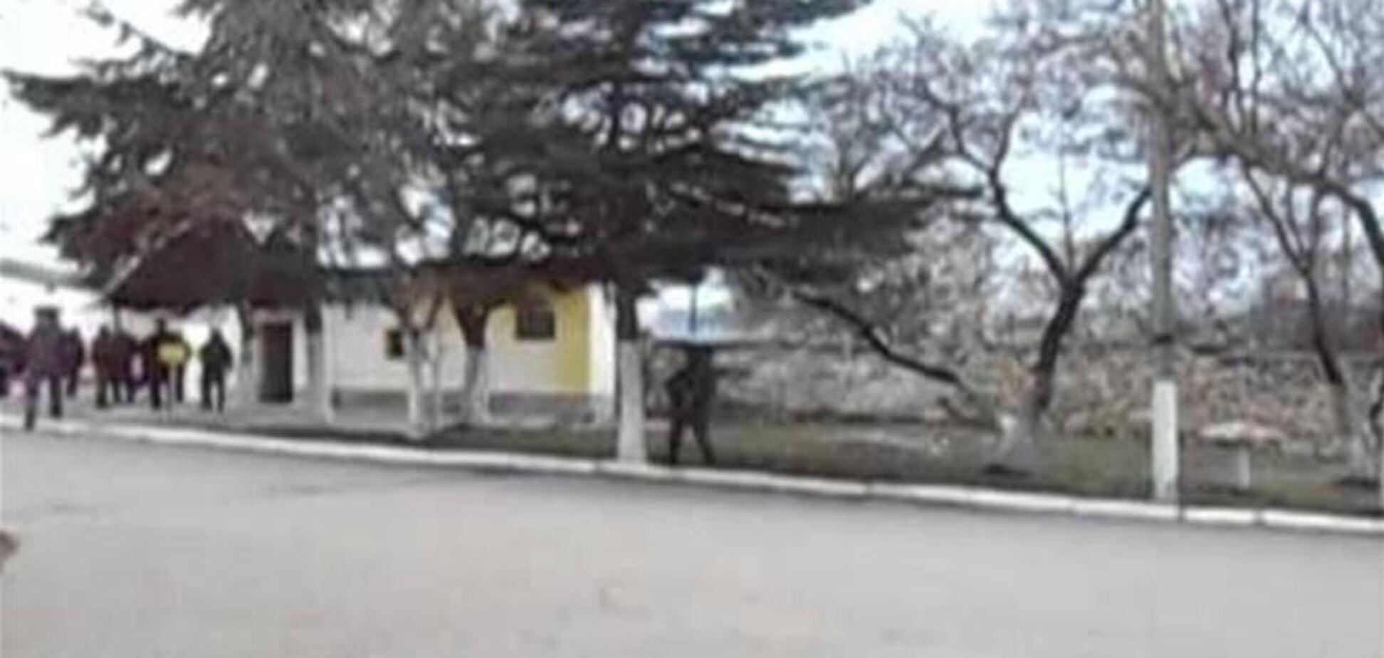 Российская армия штурмует украинскую часть в Севастополе