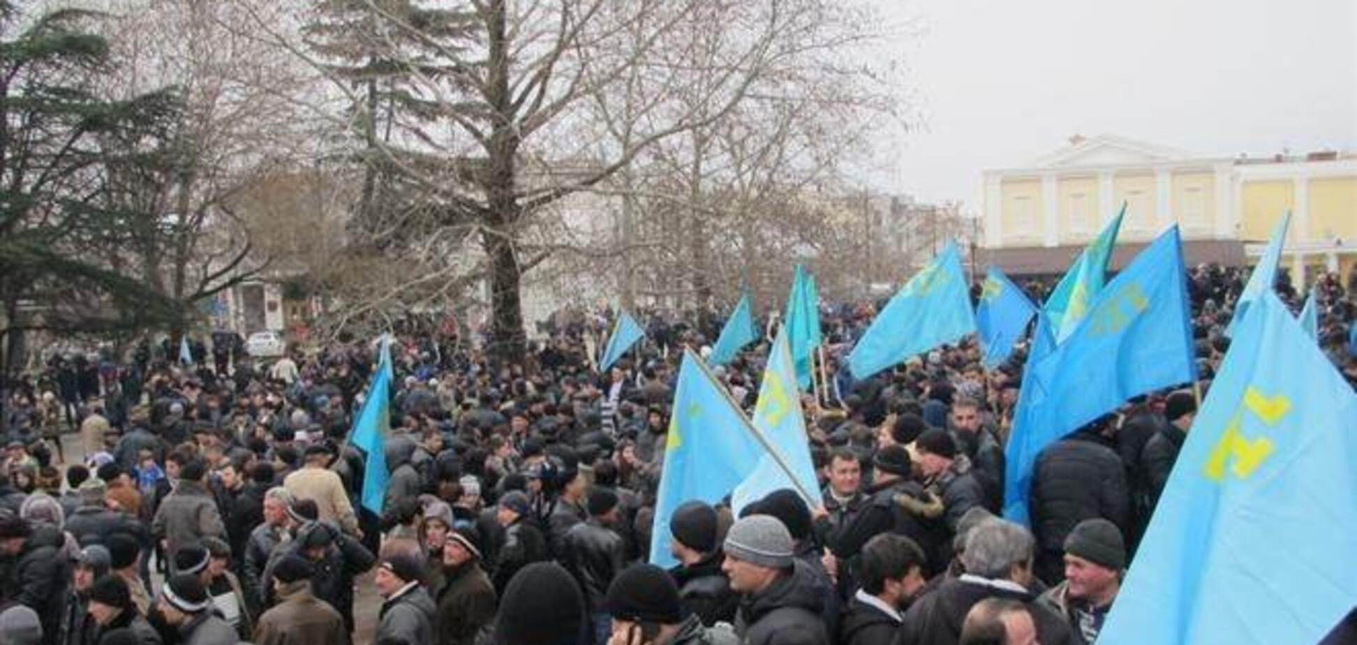 Джемилев сообщил, что уже 5 тыс. крымских татар выехали из Крыма