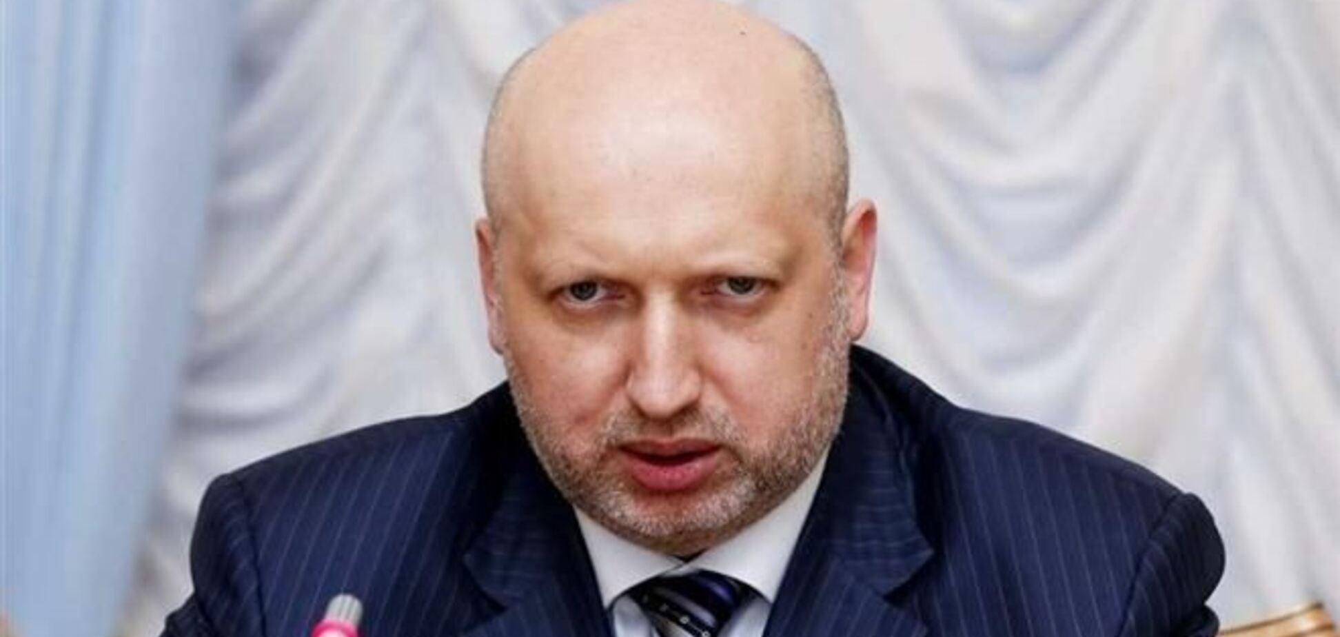 Турчинов звільнив 4 заступників командувача внутрішніми військами МВС