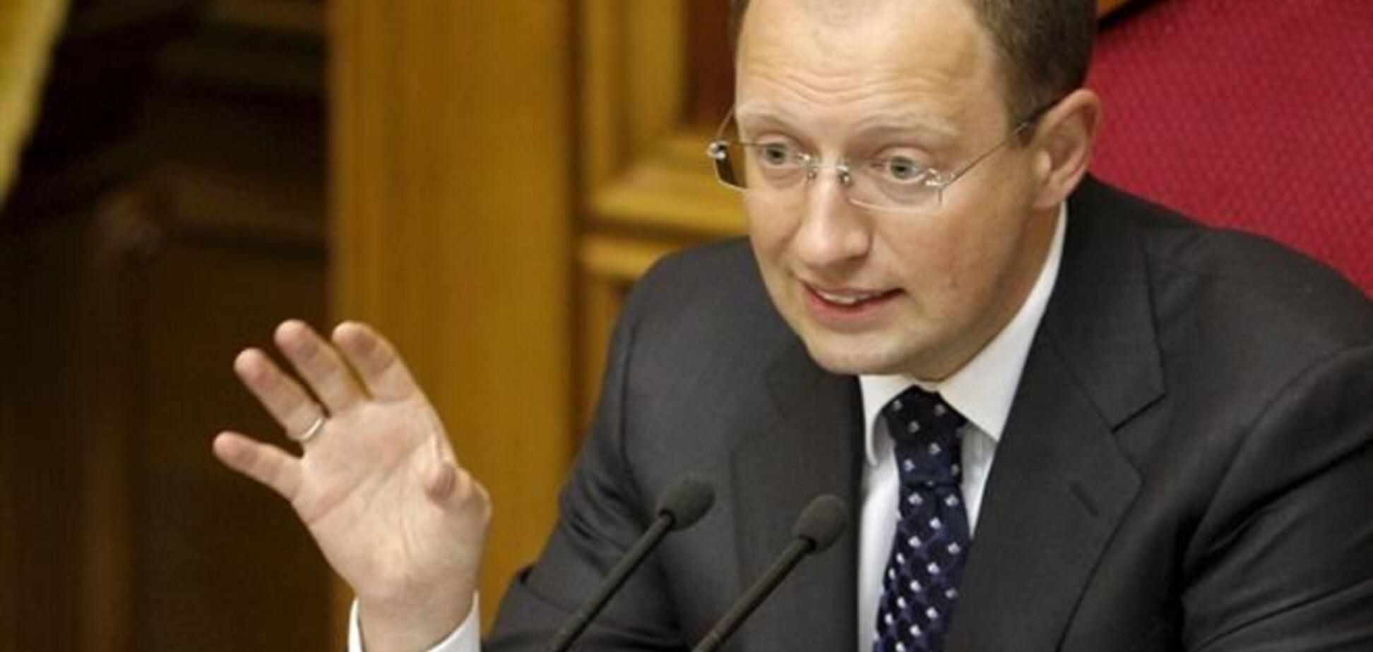 Яценюк подтвердил, что Турчинов не подписал отмену языкового закона