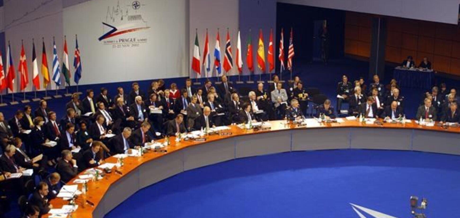 НАТО созывает чрезвычайное заседание из-за военной агрессии РФ