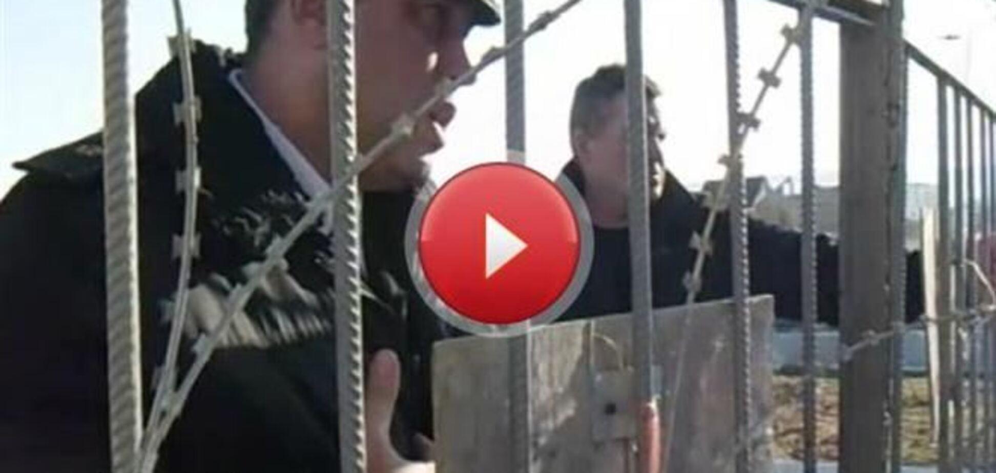 З'явилося відео, на якому екс-глава ВМС вмовляє солдатів зрадити Україну
