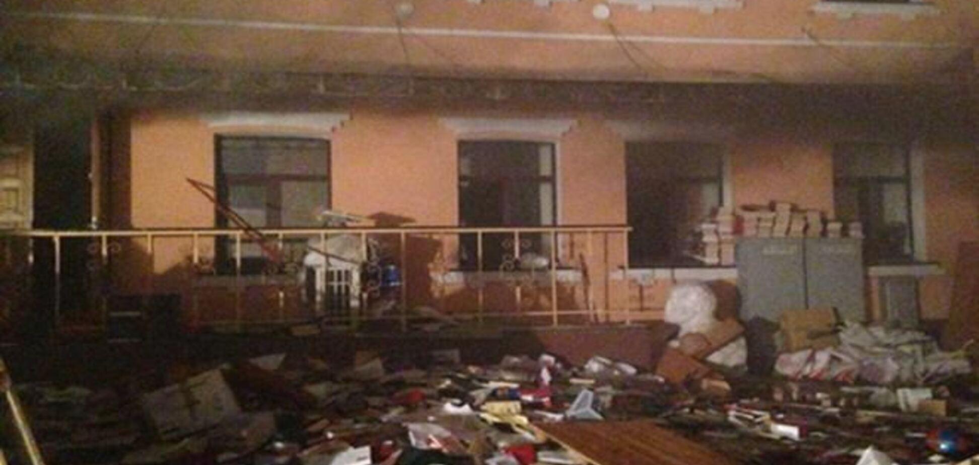 Пожар в офисе КПУ повредил площадь 220 кв. м.