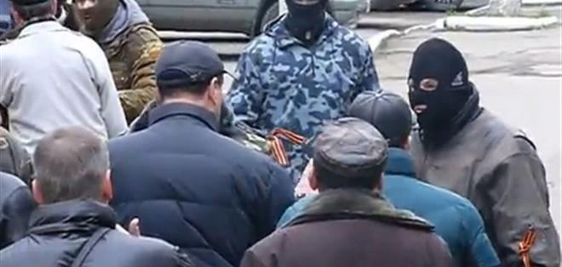 В Славянске начались стычки между сепаратистами и местными жителями