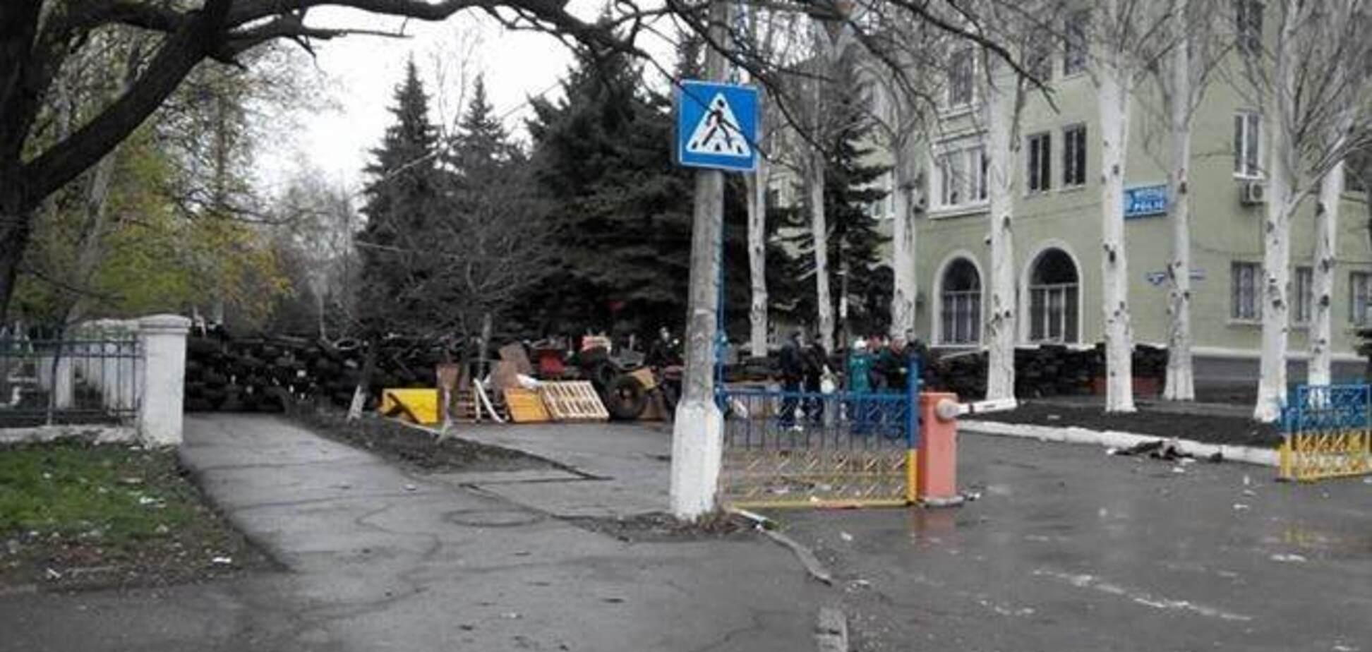 Сепаратисты установили блок-пост около военного аэродрома в Краматорске