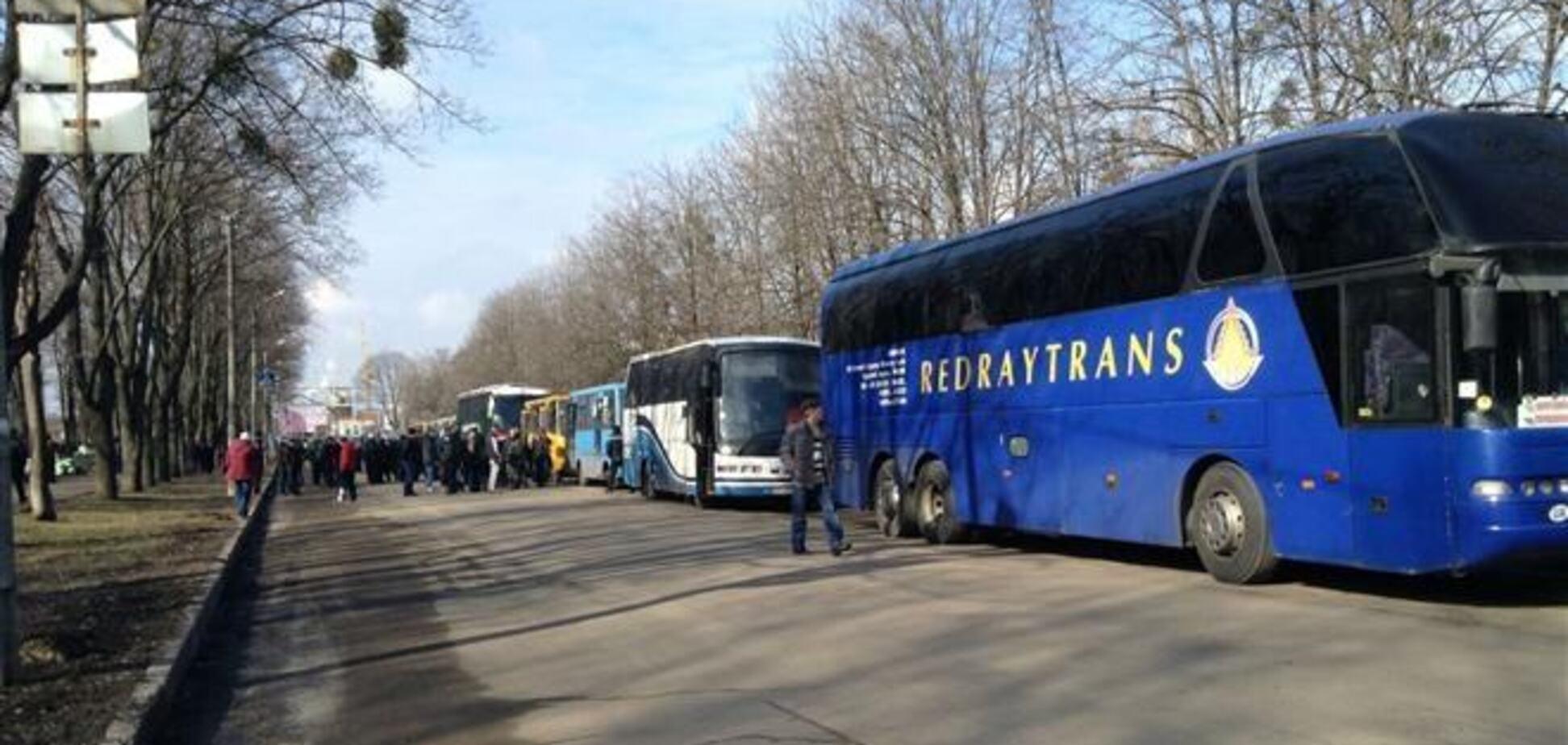 Милиция задержала 5 автобусов активистов Майдана, ехавших в Харьков