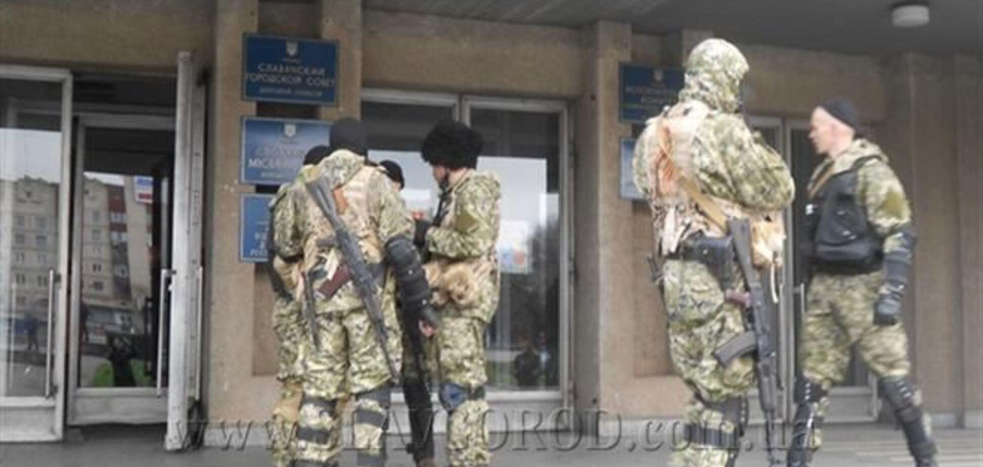Военный эксперт сомневается, что 'зеленые человечки' в Славянск прибыли из Крыма