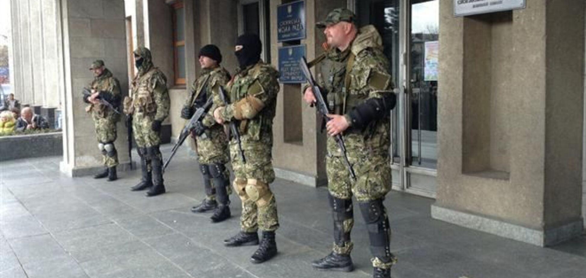 Неизвестные сожгли здание администрации в пригороде Славянска – СМИ