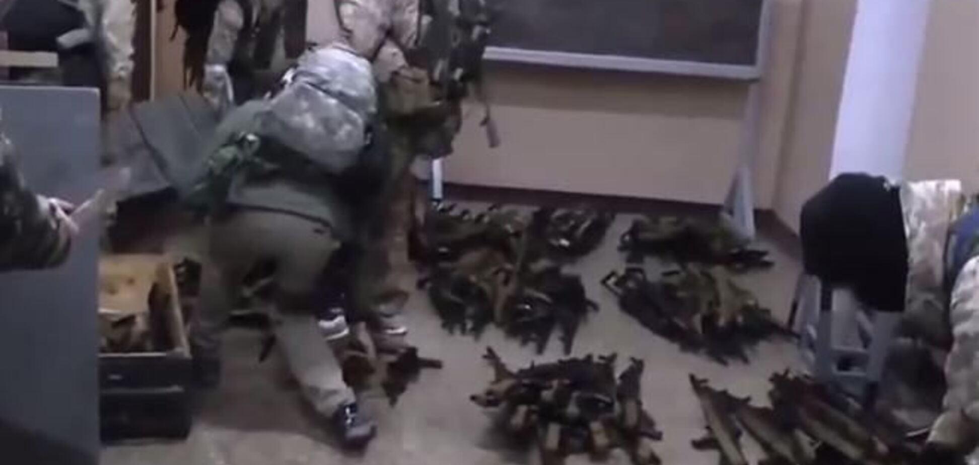 У мережі опублікований відеозвіт про захоплення Криму росіянами