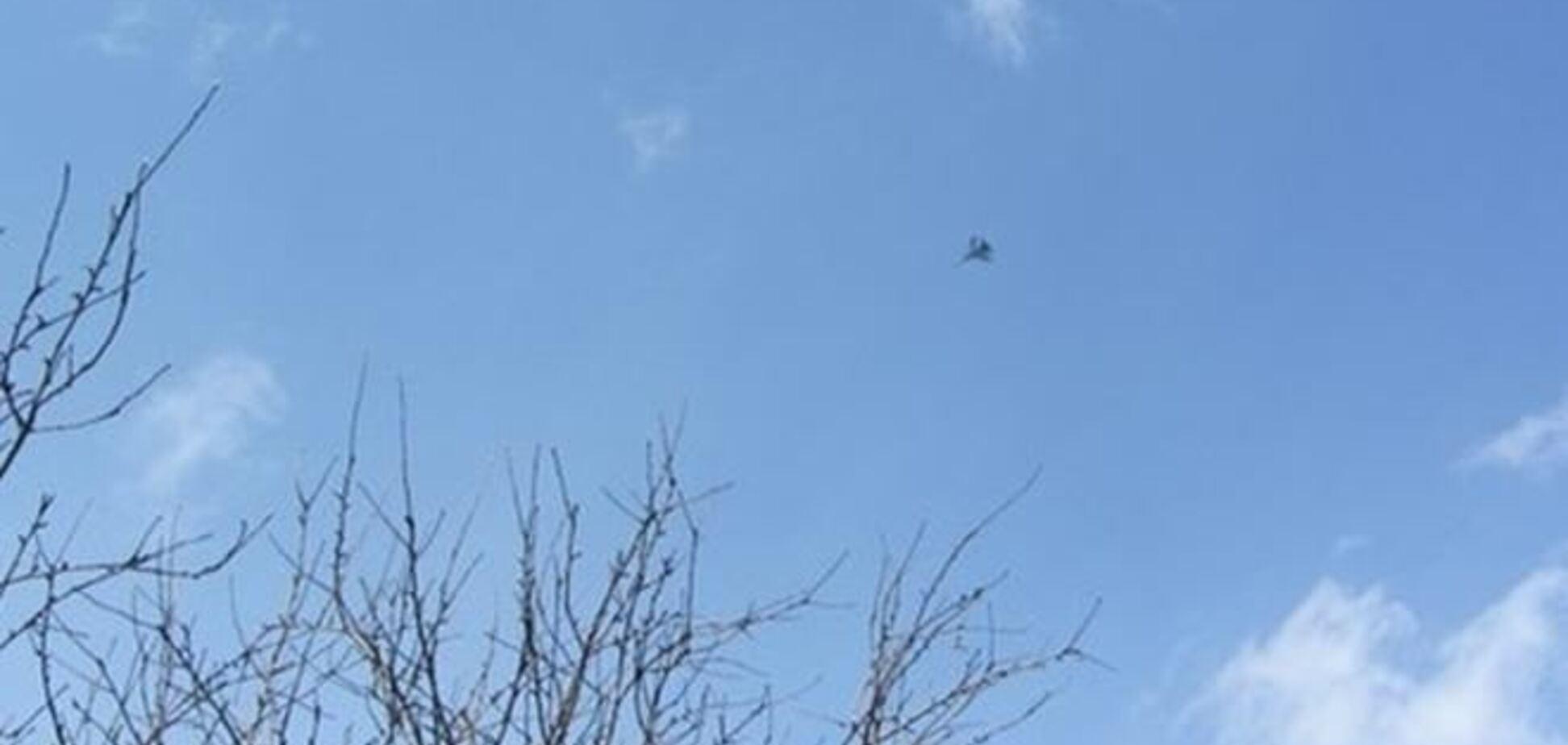 Жителей Донецка напугал военный истребитель