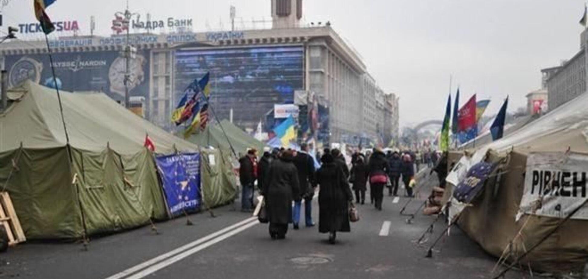 Майдановцы ограбили мужчин, которые ночью искали такси на Крещатике – СМИ