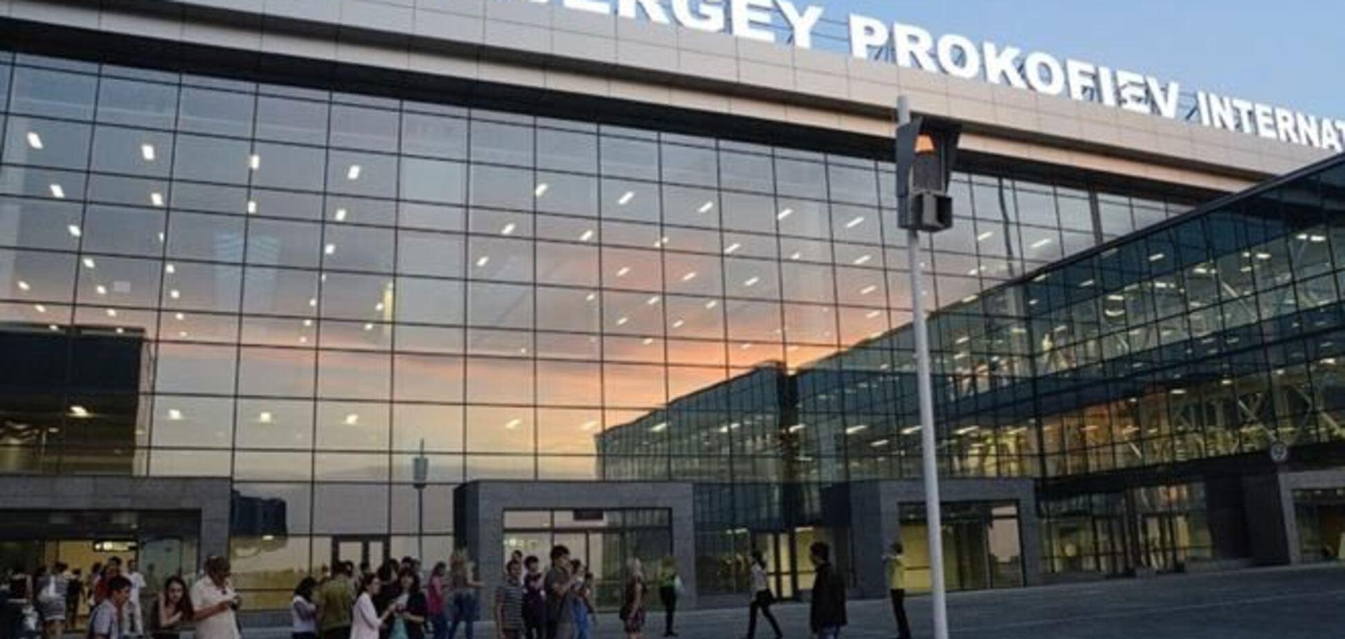 Донецкий аэропорт не захвачен и выполняет текущий план полетов - пресс-секретарь