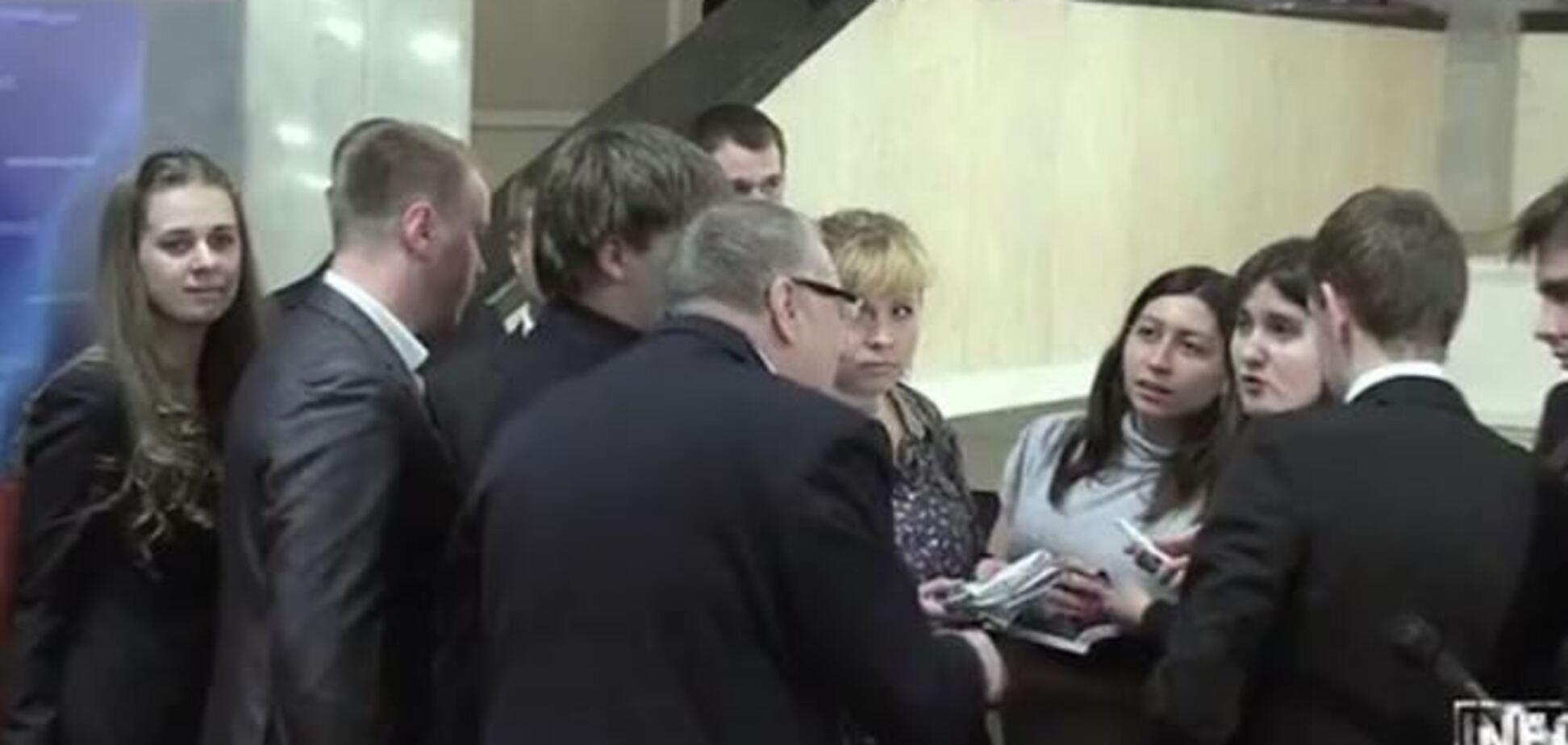 В Госдуме уже решают, как наказать Жириновского за оскорбление журналистов