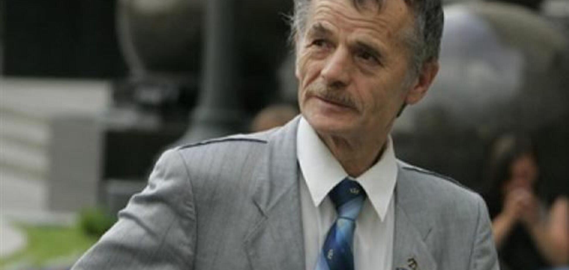 Джемилев: татар в Крыму увольняют с работы из-за отказов от гражданства РФ