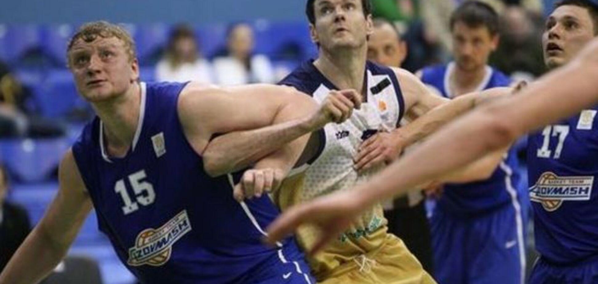 'Будивельник' вырвал победу у 'Азовмаша' в полуфинале Суперлиги