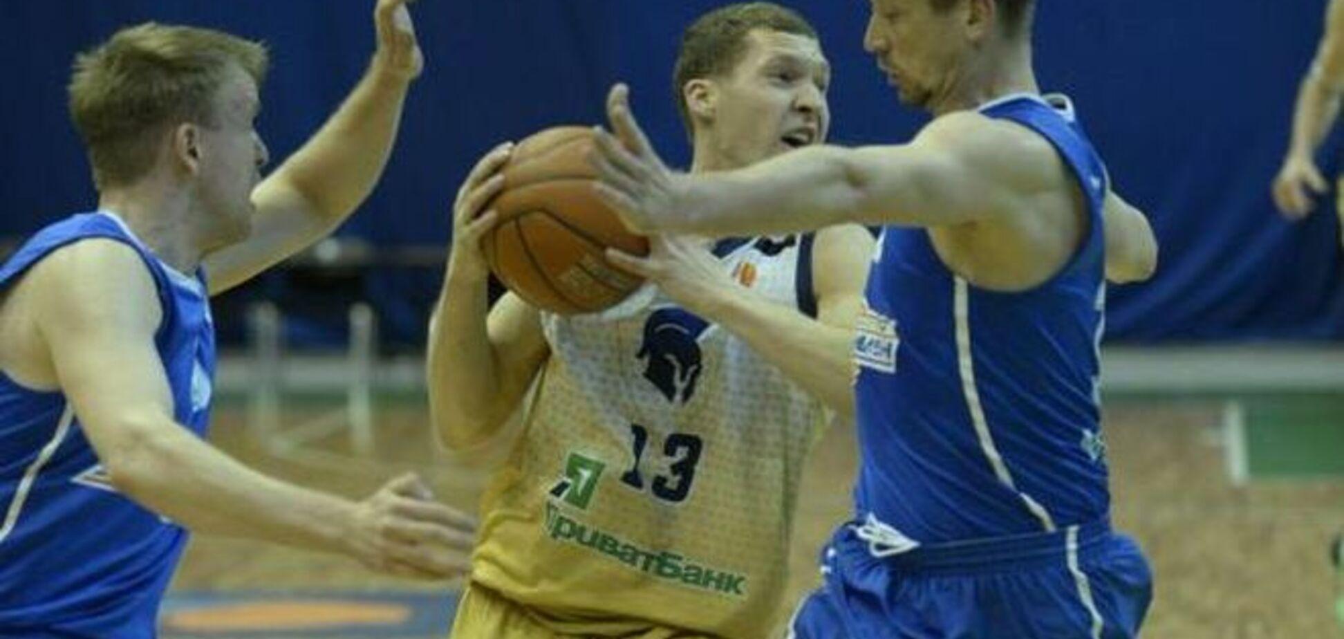 'Азовмаш' сократил отставание от 'Будивельника' в полуфинале Суперлиги
