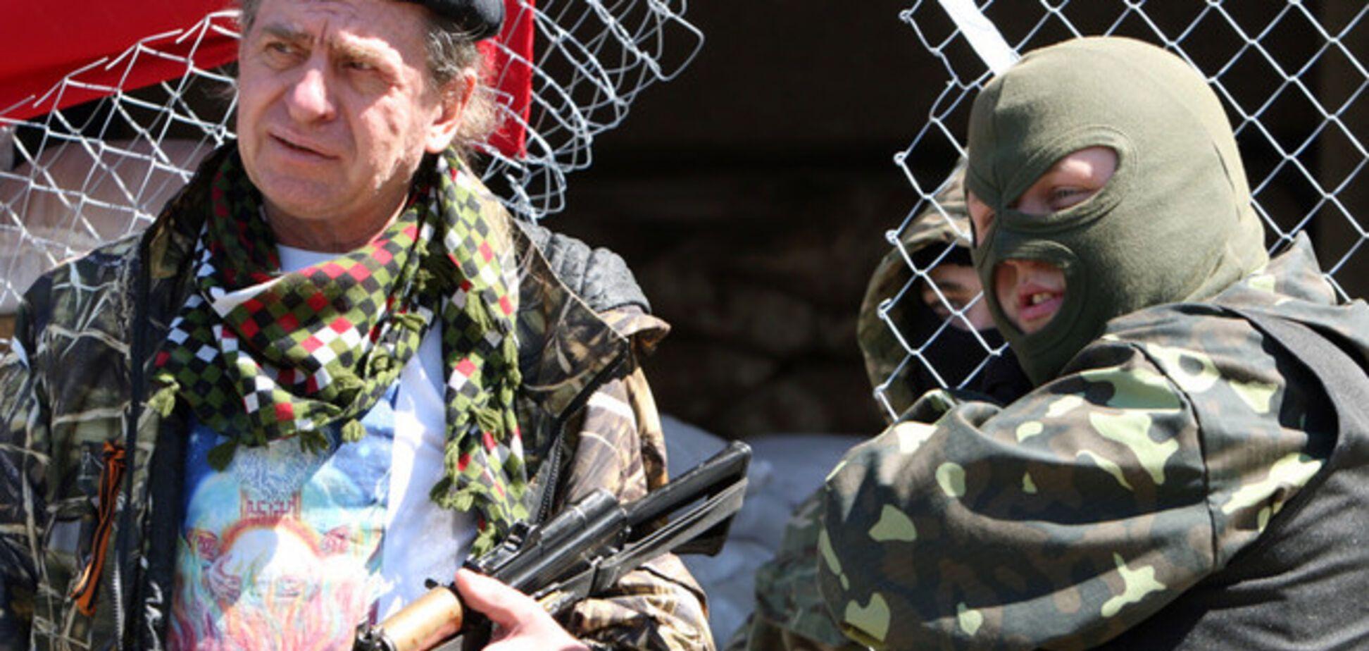 Террористы сняли осаду аэродрома в Краматорске