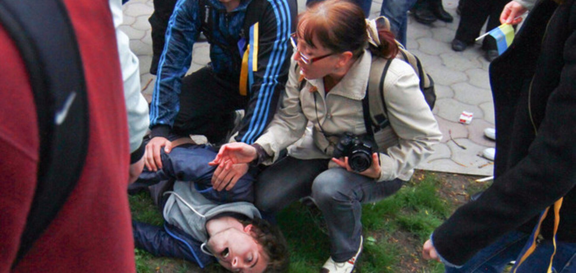 В Донецке террористы пытали студентов и представляли их российским каналам как 'Правый сектор'