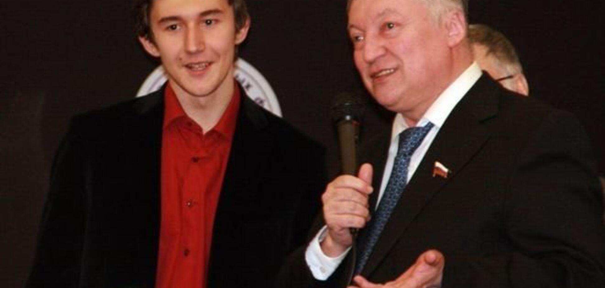 Уместно ли приглашать Карпова и Карякина в Киев?