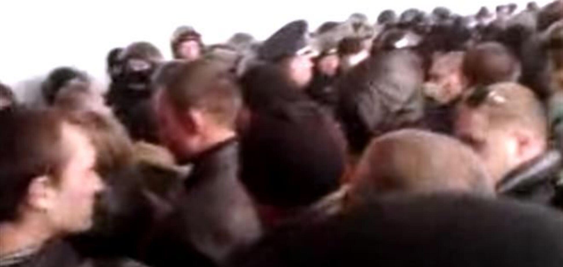 В Донецке правоохранители заперли сепаратистов в захваченной ОГА