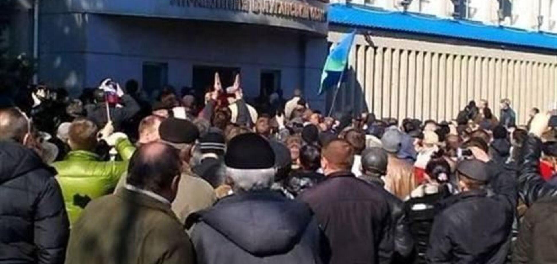 Захватившие здание СБУ в Луганске завладели оружием - МВД