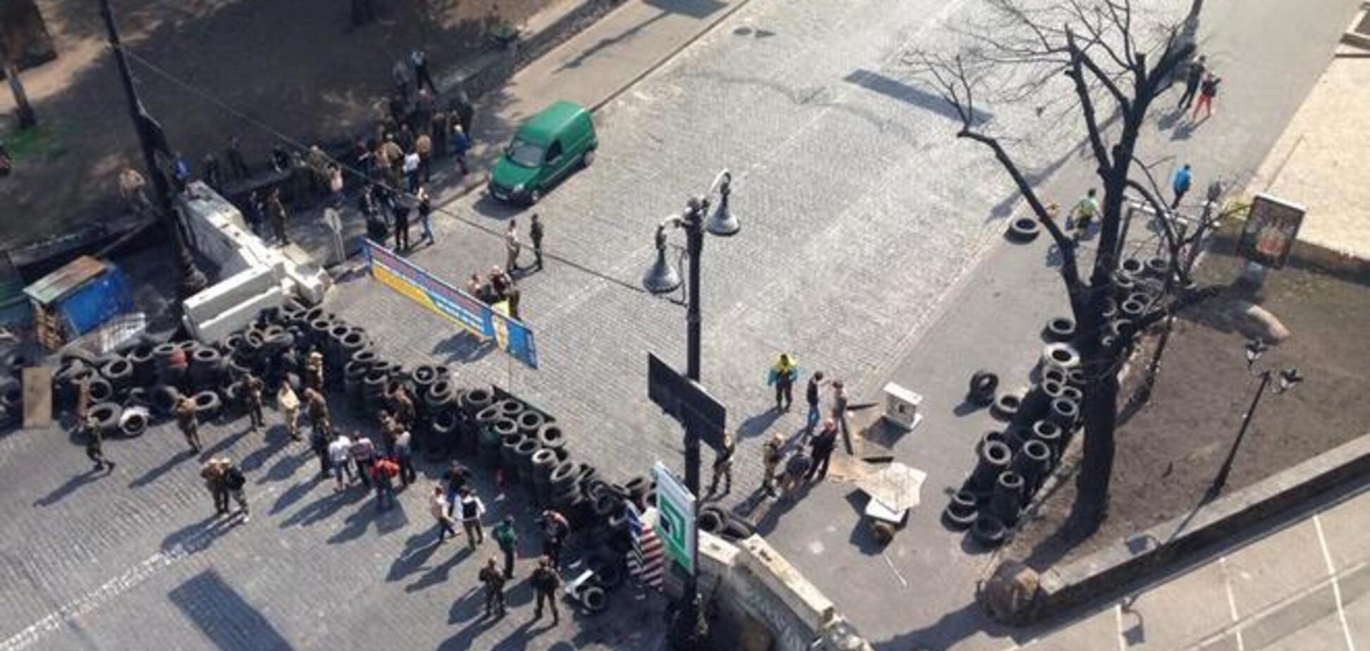 В центр Киева активно подвозят коктейли Молотова