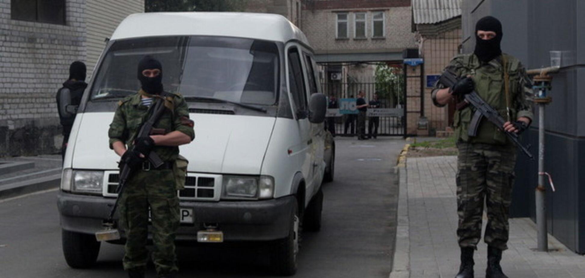 В Луганске мужчины в камуфляже пытались похитить судью