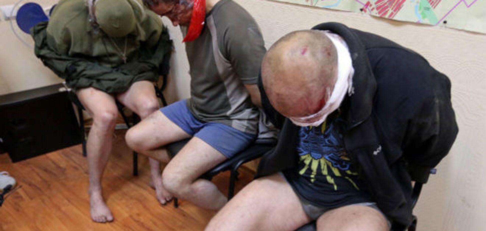 СМИ: террористы отпустили двух офицеров 'Альфы', в СБУ не подтверждают