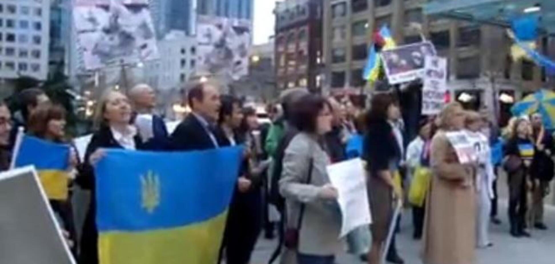 У Торонто українські активісти пікетували 'Віртуозів Москви'
