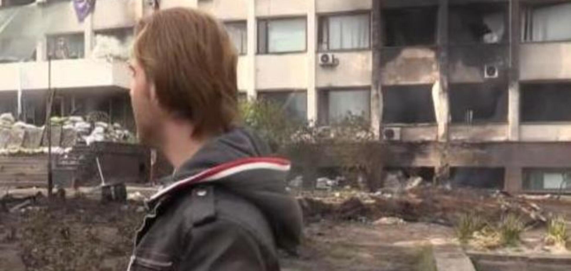 Пожар в горсовете Мариуполя: сгорели все баррикады у входа и часть кабинетов