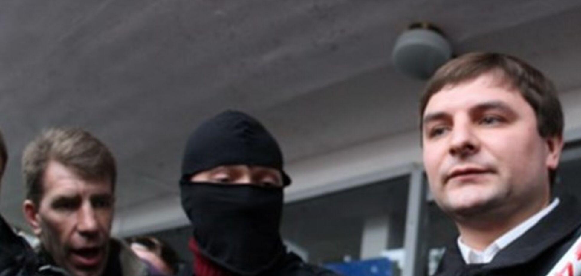 Мэр Горловки под дулом пистолета передал власть представителям 'ДНР'