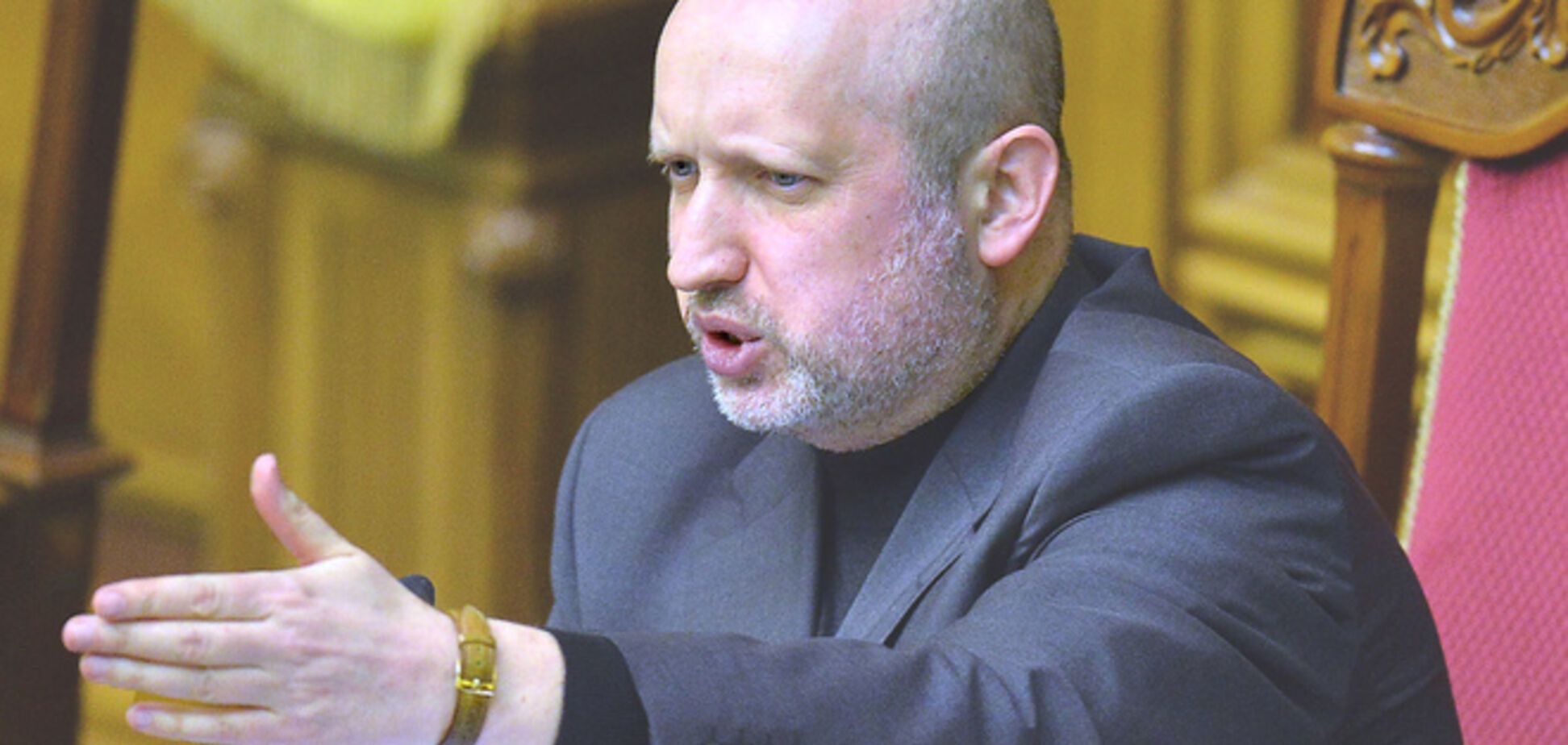 Турчинов дал ГПУ, СБУ и Госпогранслужбе 3 часа на объяснение, почему выпустили 'губернатора Луганщины'