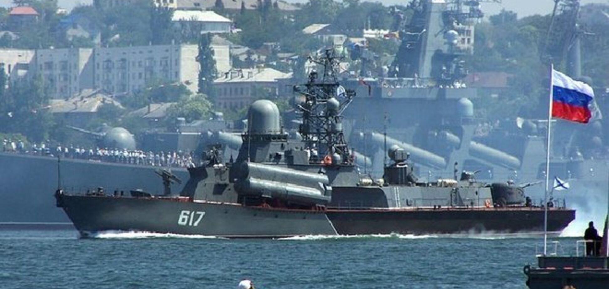 Оккупанты задерживают корабли ВМС Украины в Крыму из-за долга - ИС