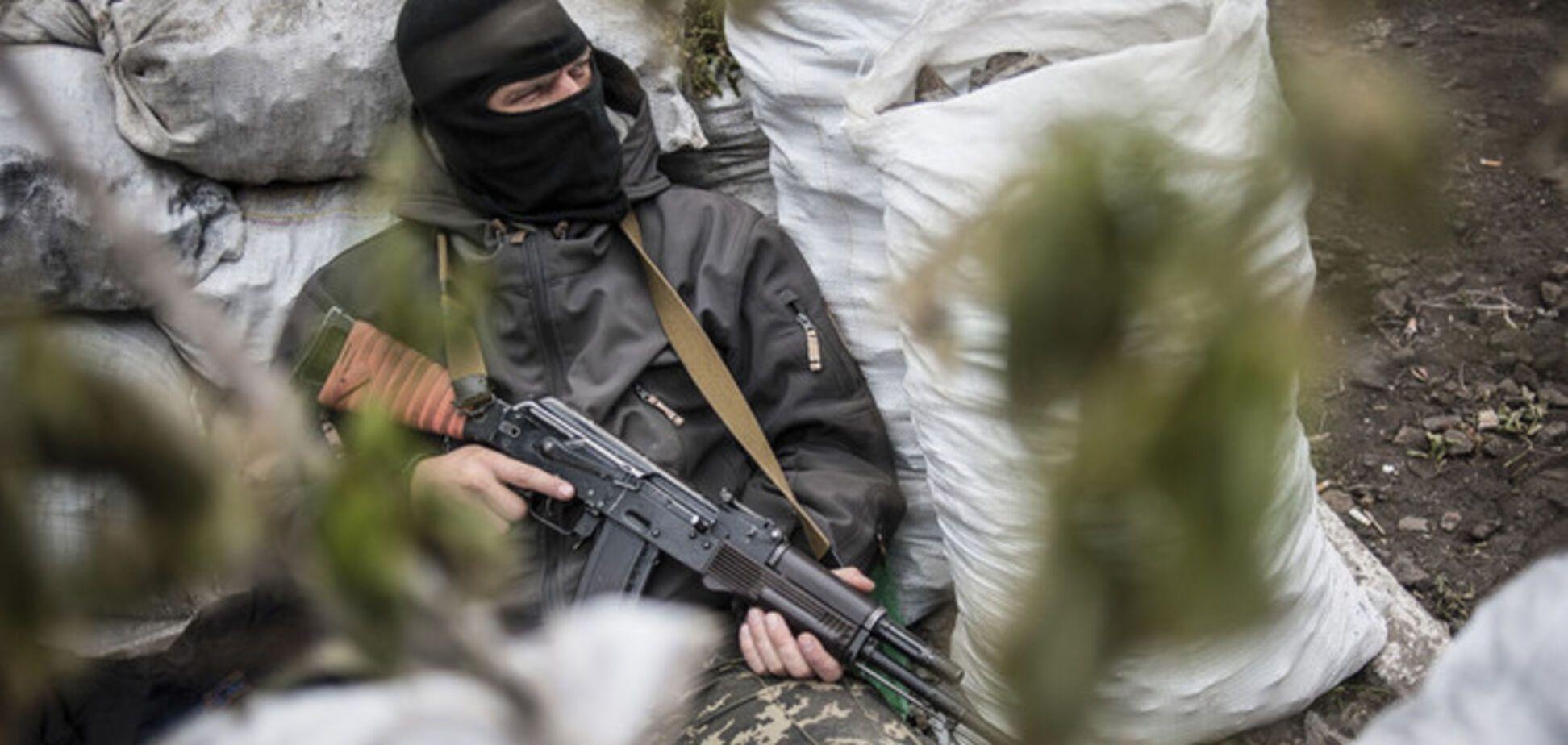 В Енакиево террористы захватили инкассаторский автомобиль с 1,5 млн грн