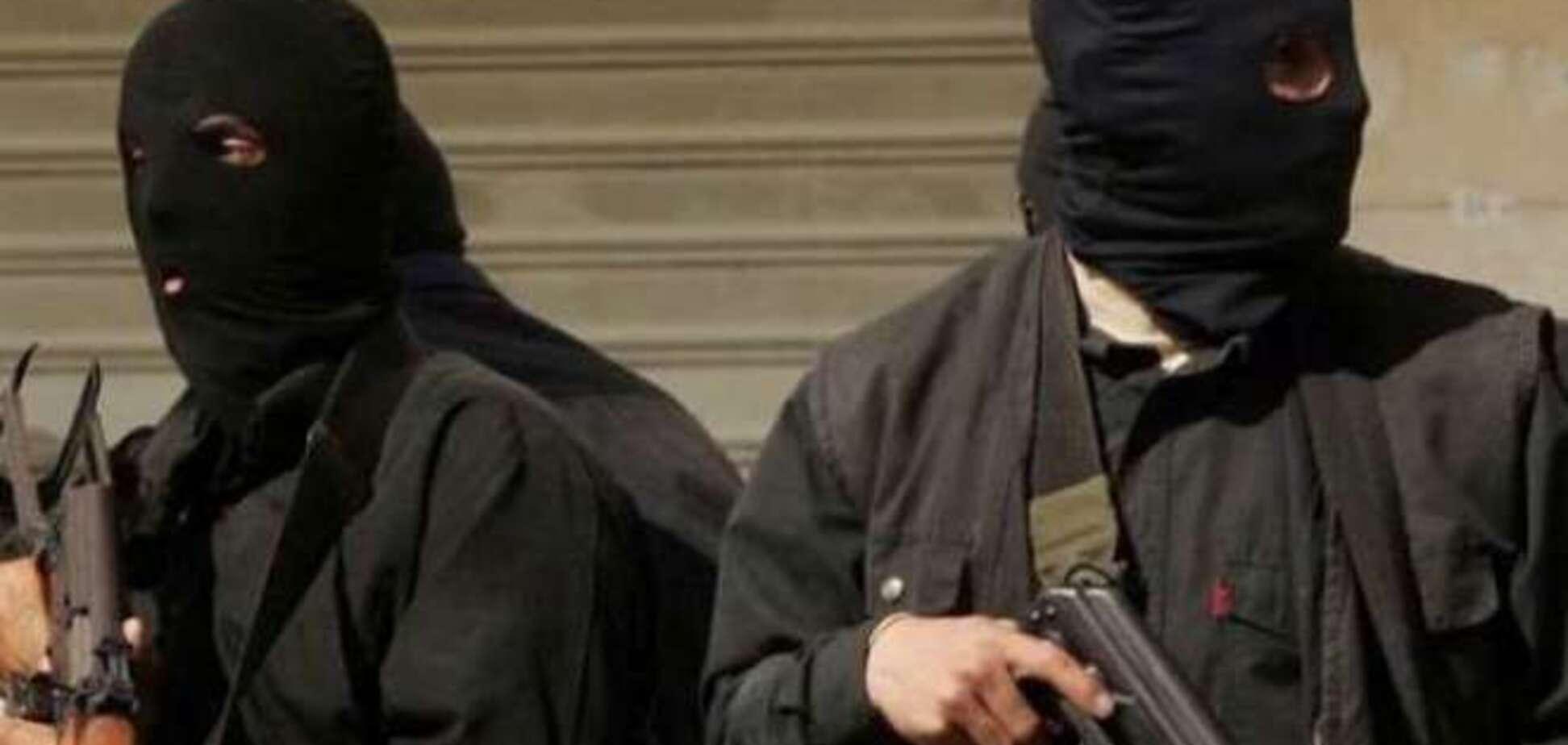 Террористы в Красном Луче захватили окружком