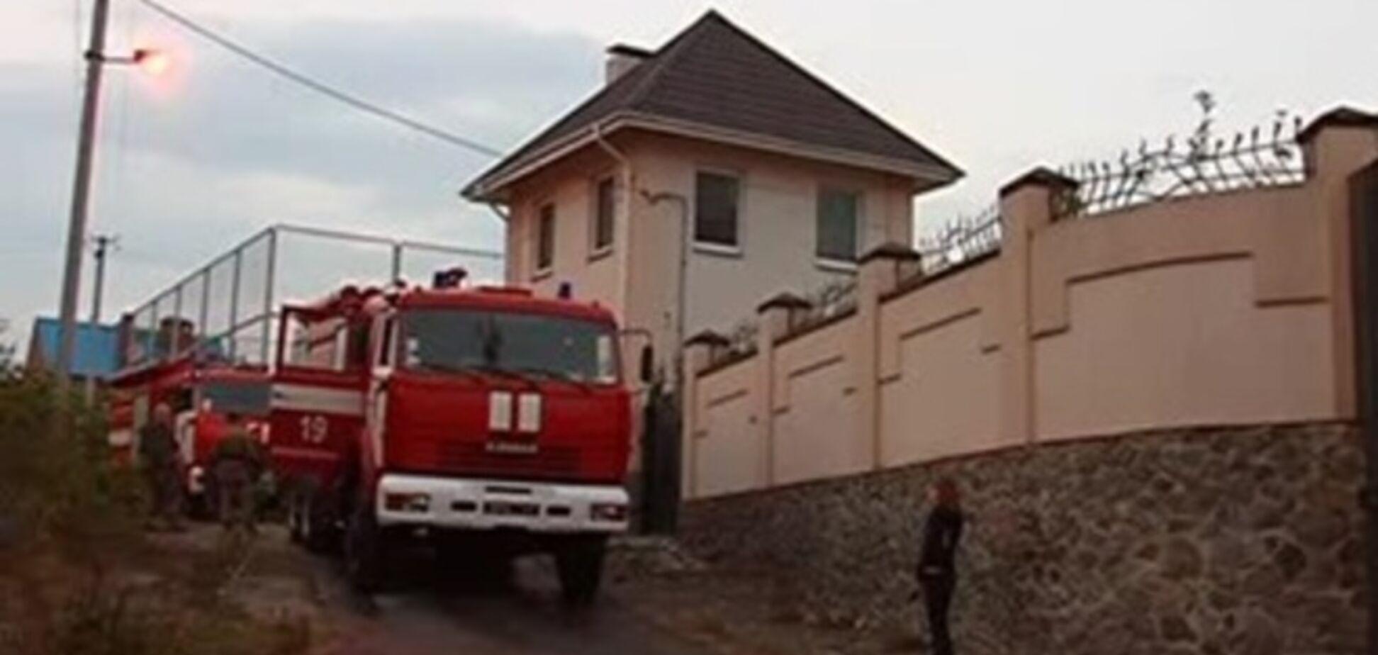 На Днепропетровщине неизвестные забросали 'коктейлями Молотова' особняк соседа Царева