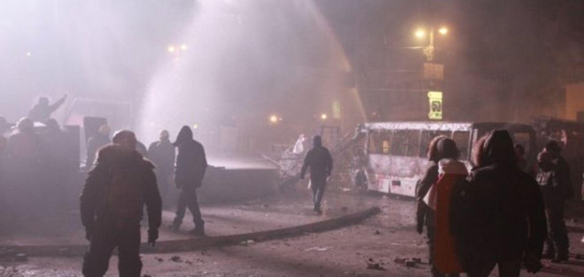 Суд запретил использование водометов на морозе
