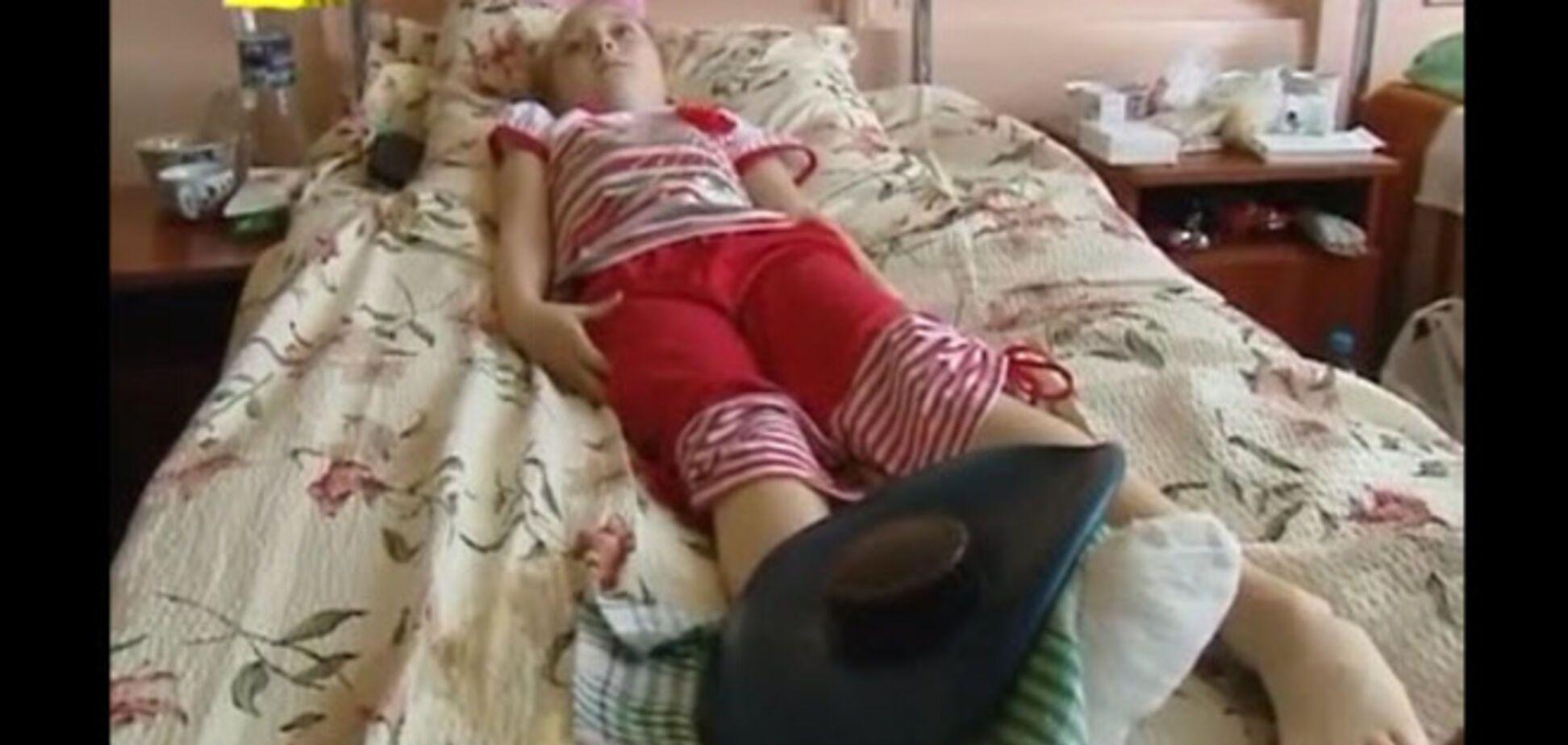 В Макеевке обстреляли людей на остановке: ребенок ранен в ногу, женщина лишилась глаза