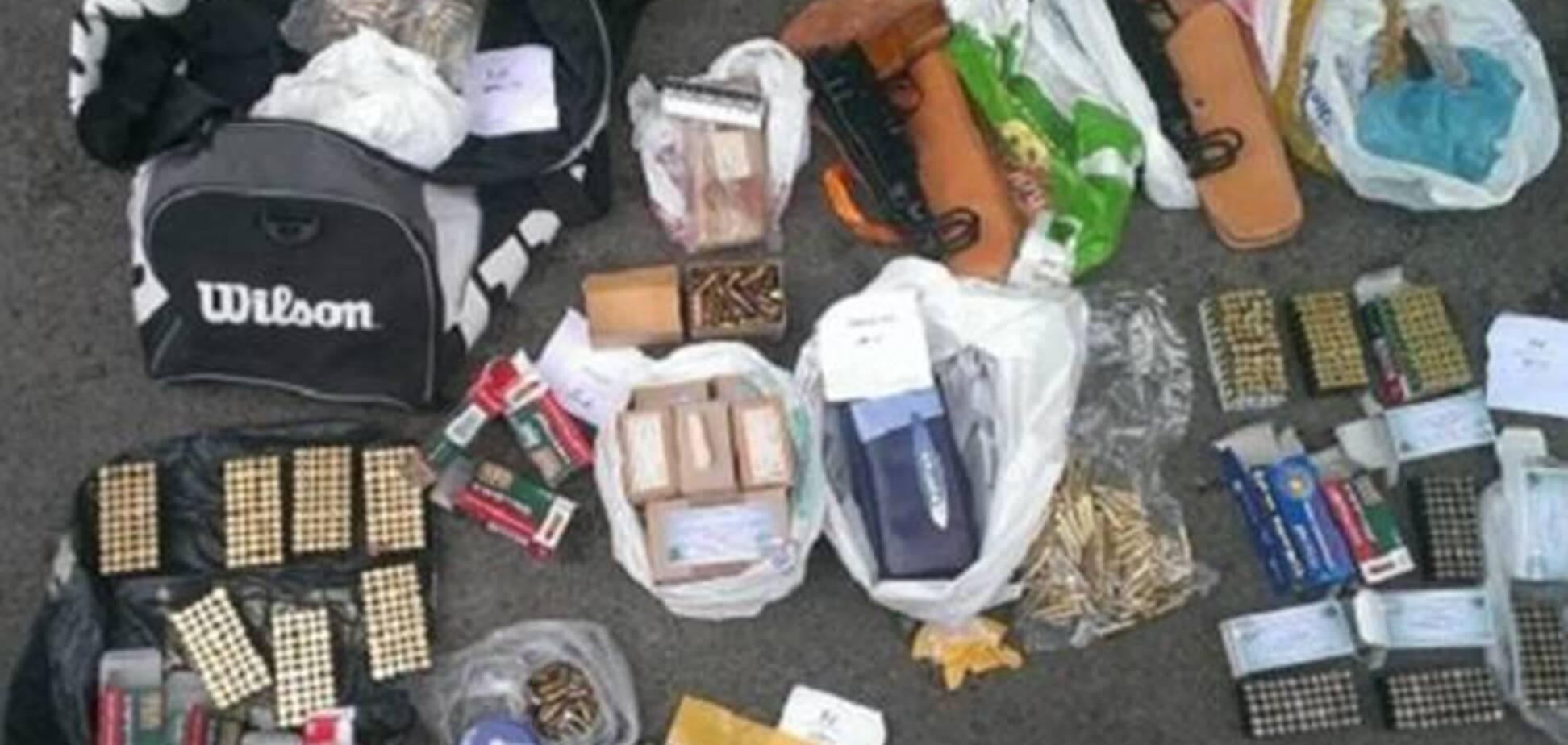 В Киеве изъяли партию оружия и взрывчатки на 700 тыс грн