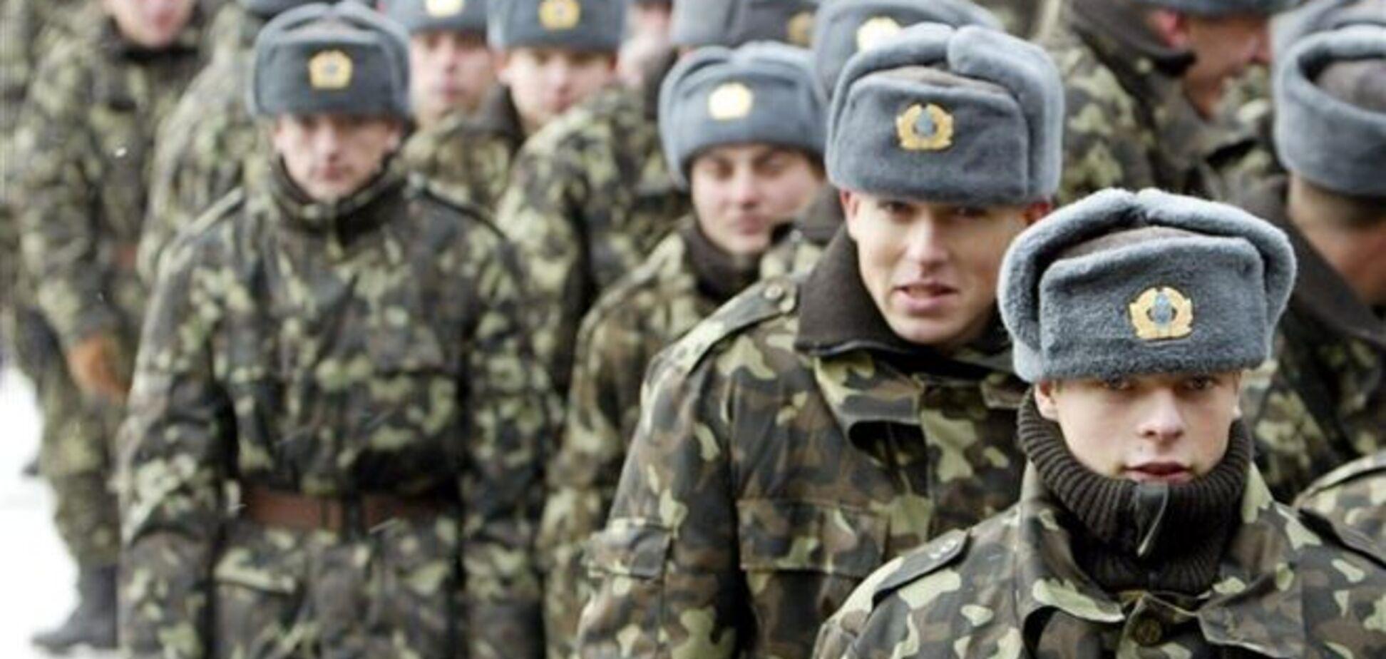 Україна поки не може приймати в армію на контрактній основі