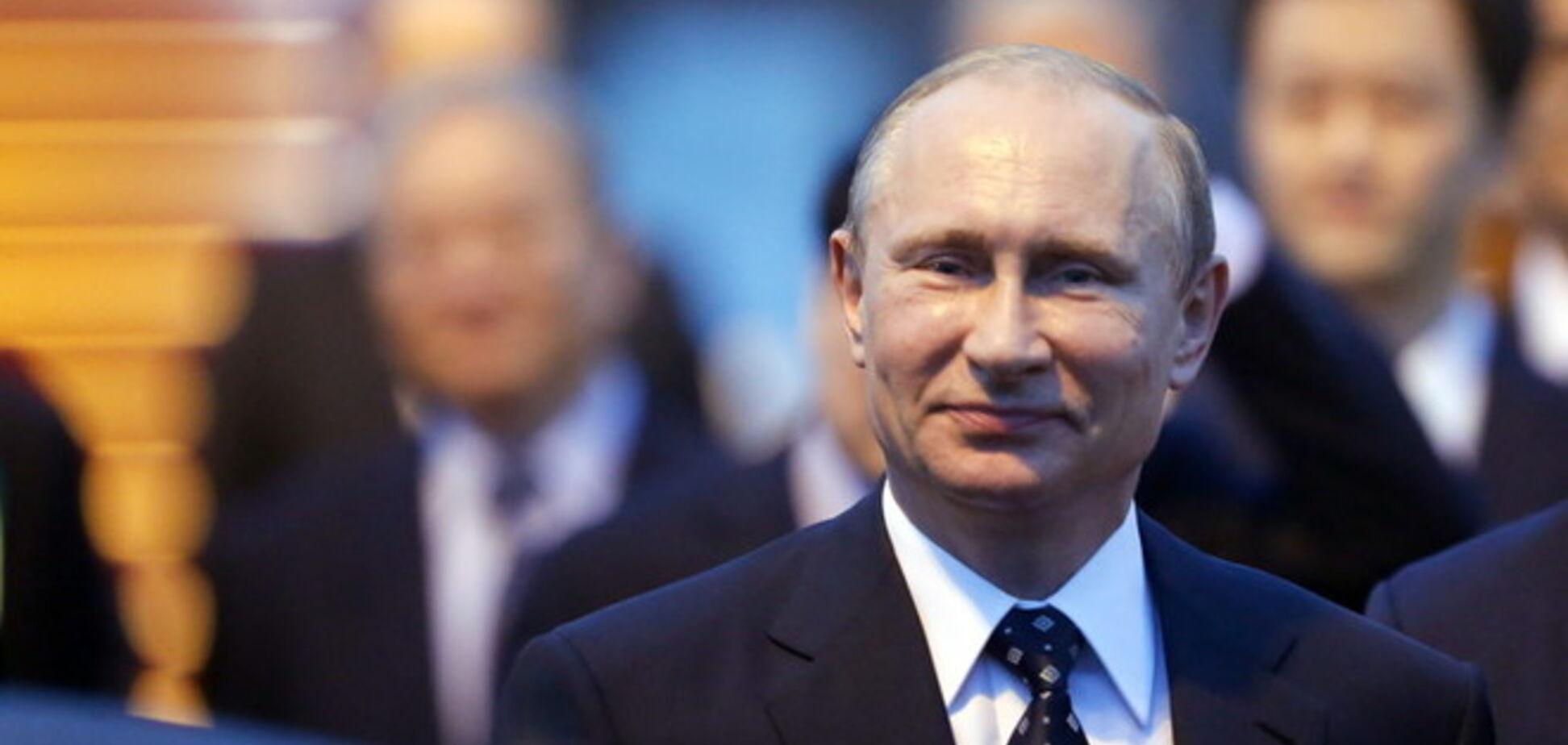 ''Табуретку подставили'': Путин попался на новой уловке с ростом на встрече с Лукашенко
