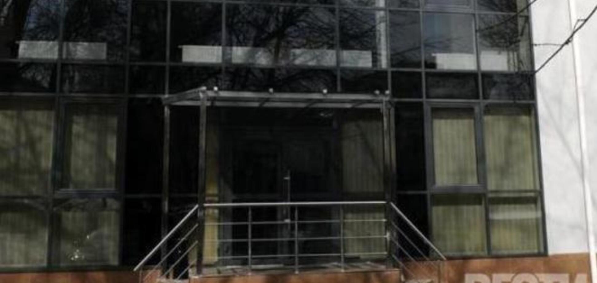 10 сотрудников 'Вестей' не выпускают из редакции