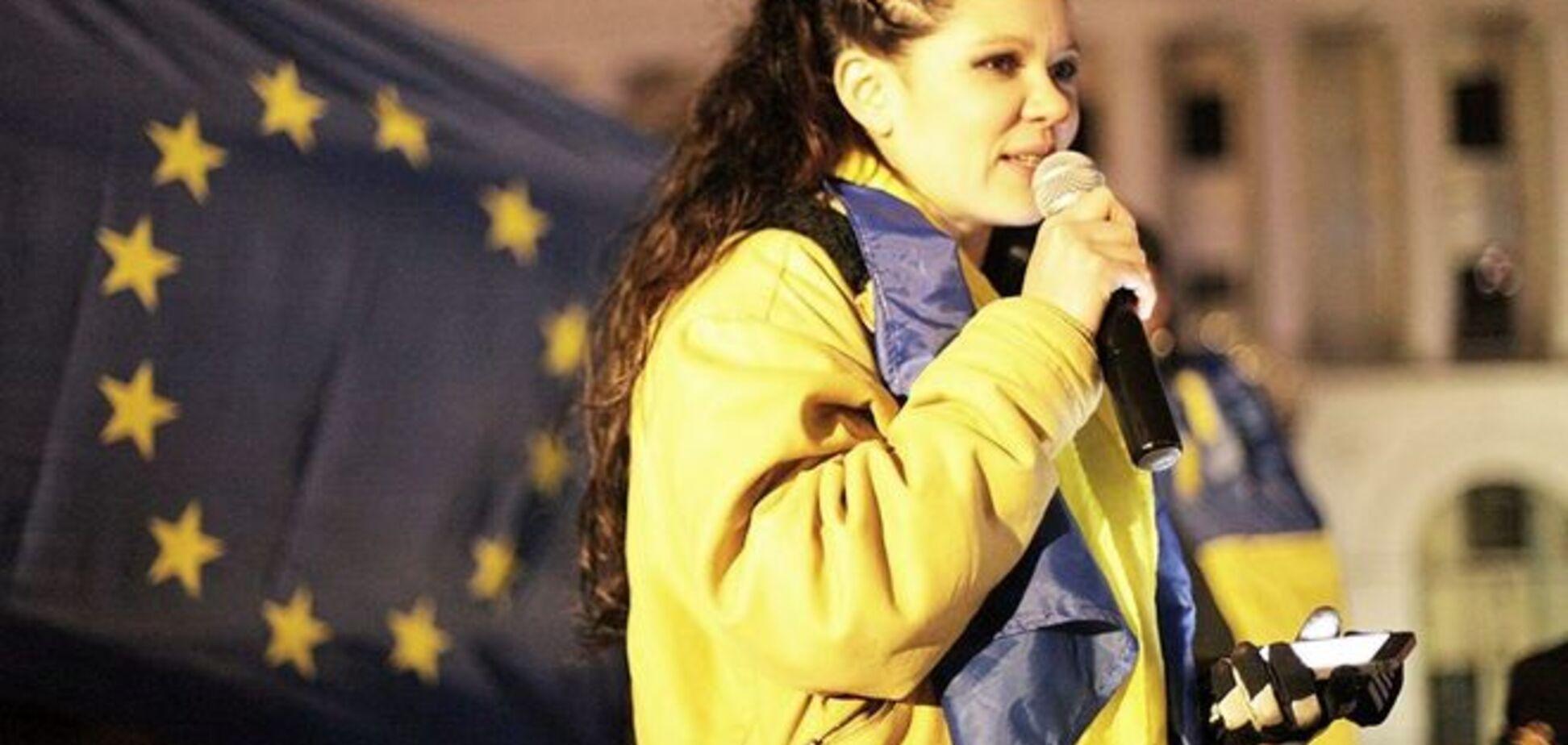 Руслана закликає всіх перед виборами помолитися за Україну