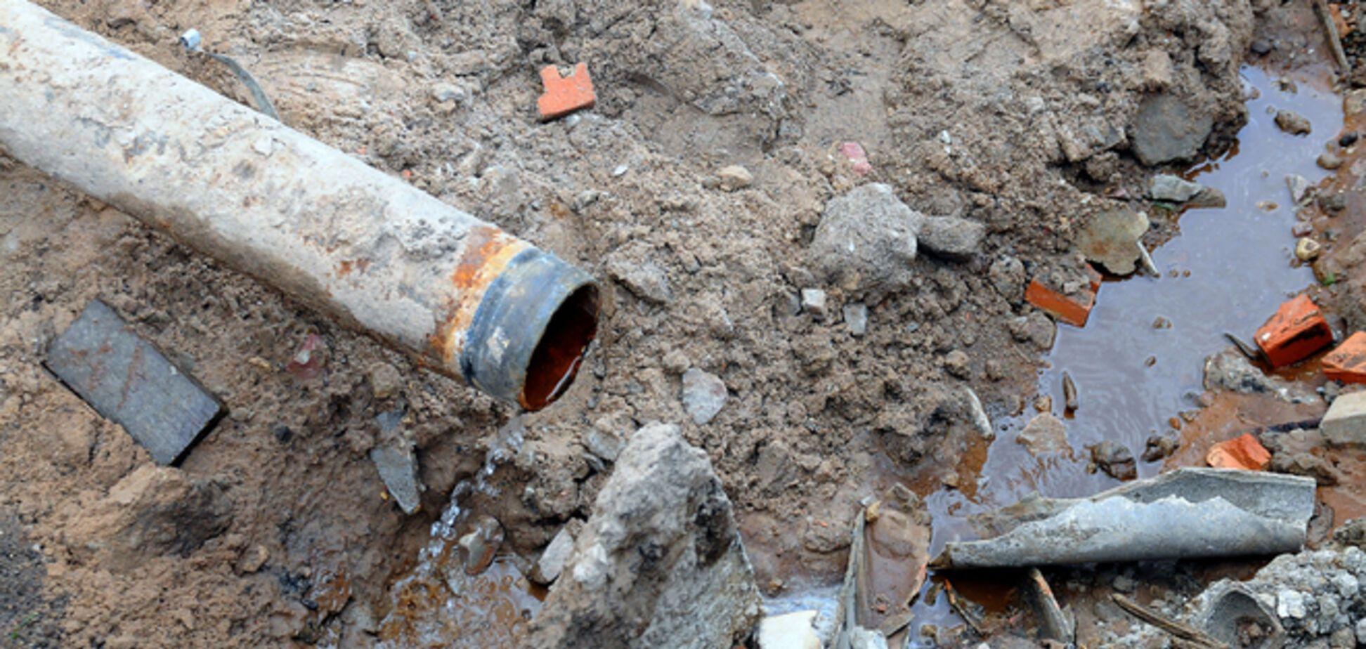 Неизвестные повредили магистральный водовод в Донецкой области