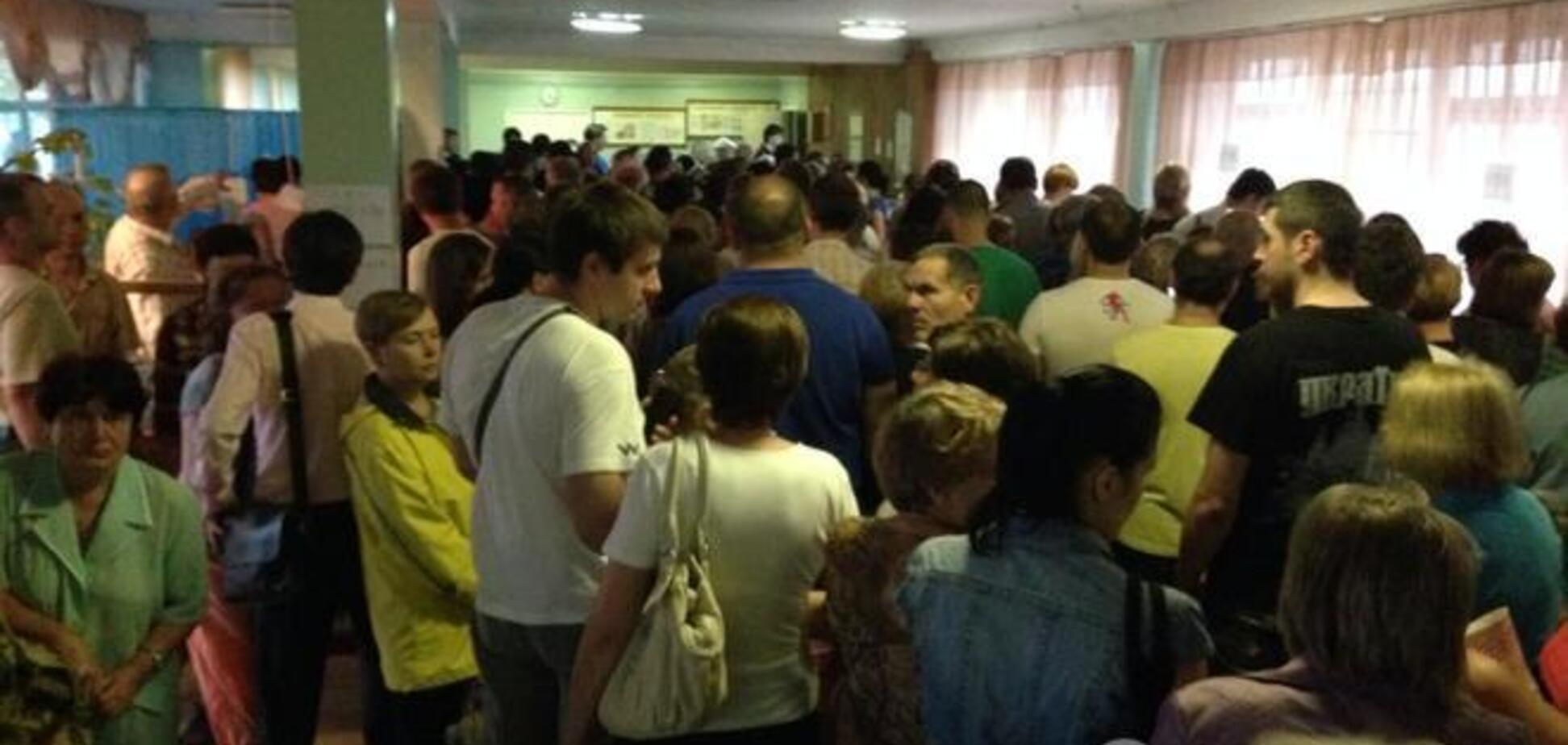 Аншлаг на избирательном участке в Киеве: голосование закончилось после 22:00