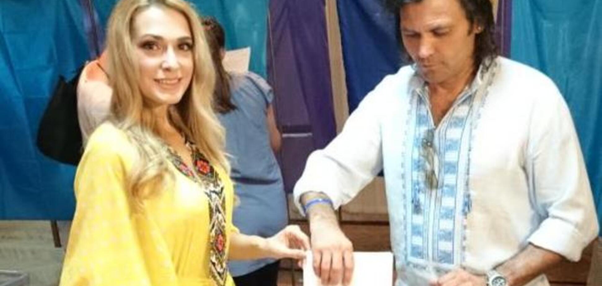 Литовченко голосовала в вышиванке, а Сумская в этническом колье
